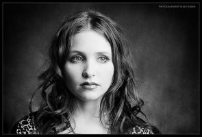 julia_portrait_01 by lobur
