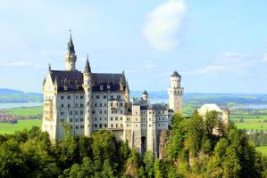 Castle Neuschwanstein by NimwenSiradon