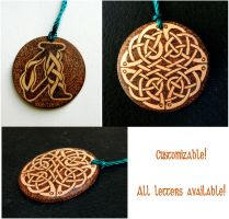 CELTIC KNOT two sided key chain with monogram by YANKA-arts-n-crafts