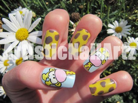 Giraffe Nails by zinajorna