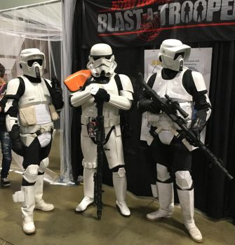 Stormtrooper Officer and Scout Troopers at AC2018 by rlkitterman