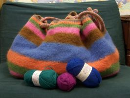 felted muckle bag by crochetty-spinner
