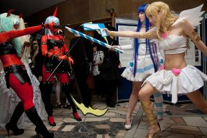 Panty and Stocking Fight by NatalieCartman