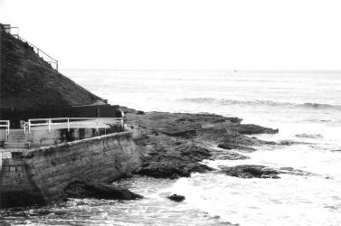 Point Loma - Rocky Shore by fingers2002