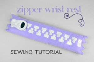 Sewing Tutorial - Zipper Wrist Rest by SewDesuNe