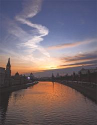 Moscow sunset by notwellcome