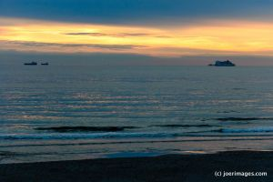 Ships on the horizon by joerimages