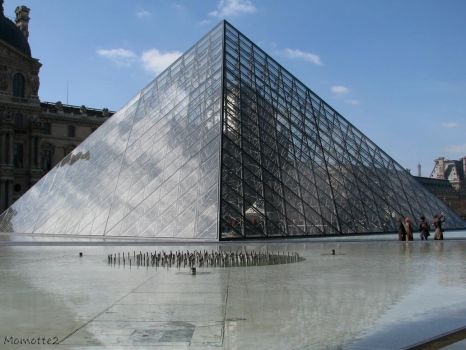 Louvre pyramid by Momotte2