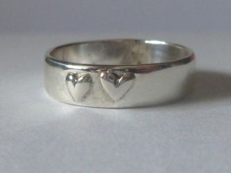 Silver ring with hearts by LARvonCL