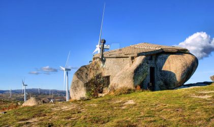 Stone house in eolic park, Fafe by vmribeiro