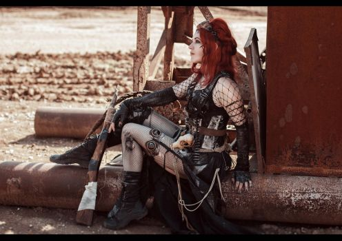 Postapocalyptic girl by mysteria-violent