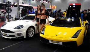 Ladies With Supercars by toyonda