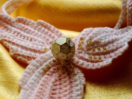 Irish pink with golden beads by knotsme