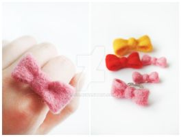 Felted Ribbon Ring by li-sa