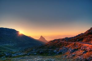 Sunrise in the mountains by stlasidylko