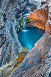 Upper Spa Pool - Karijini by paulmp