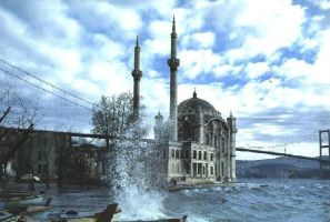 ortakoy in istanbul by havoc1976