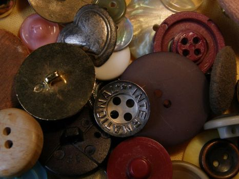 Buttons 3 Pile by Gwathiell