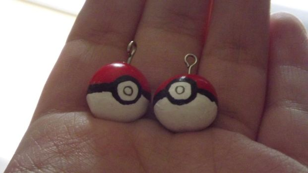 handmade Pokeball earing fimo -SOLD by lilweird
