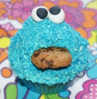 Cookie Monster cupcake by VPofFantasyland