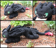Large Toothless the Nightfury Plush by BlueWolfCheetah
