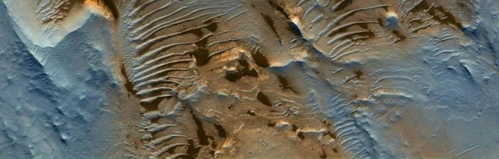 Central Deposits in Pasteur Crater by Mariagat