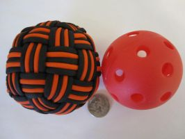 Large Globe Knot comparison to base. by demuredemeanor