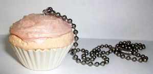 Misc. - giant cupcake necklace by ShiversTheNinja