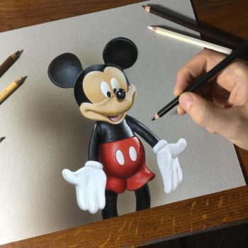 Drawing Mickey Mouse by marcellobarenghi