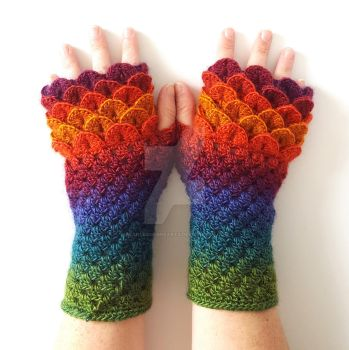 Mojo Dragon Gloves by FearlessFibreArts