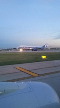 747-8 Cargo Carrier by WingDiamond