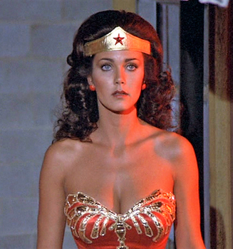 Wonder Woman Stands by saturnsam