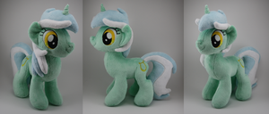 Lyra Plush by LyrasPlush