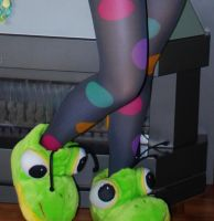 Froggy feet by Vossaaa