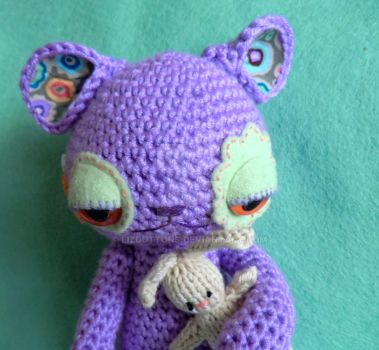 Ginger the bedtime omnipom - amigurumi alien by lizduttons
