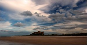Bamburgh Castle puts on a dreamy cloud show by LordLJCornellPhotos