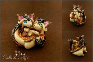 Pair of Cayo Dragons - polymer clay by CalicoGriffin