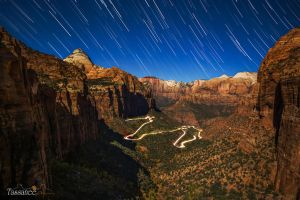 Zion Overlook by tassanee