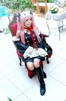 Owari no Seraph: Your Queen by kahllie