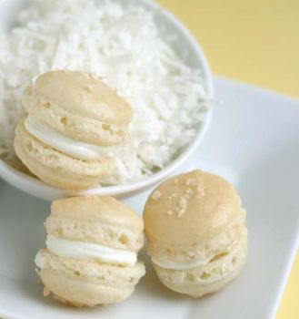 Coconut Macarons 2 by bittykate