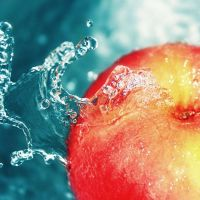 Apple gets dressed in water by Ambyon