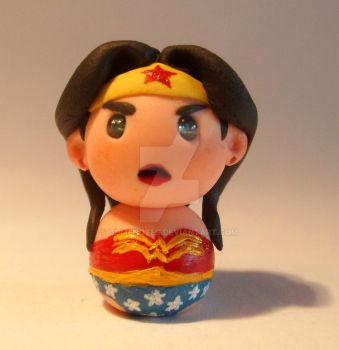 Wonder Woman miniature by ComeNozes