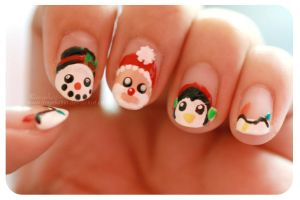 Christmas Nails by angelkittin