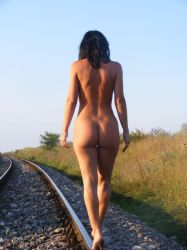 naked train by putridx