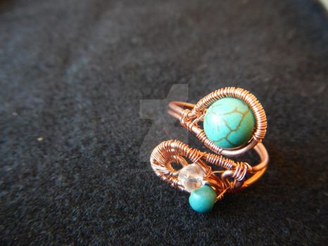 Turquoise and copper ring by patelitodichikolate