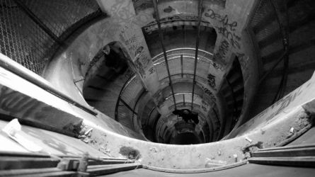 The Hole the 2nd_Up by Neoalchimiste