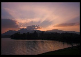 Derwent Sundown by bongaloid