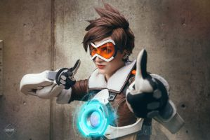 Tracer Cosplay from Overwatch by Justicarsirena