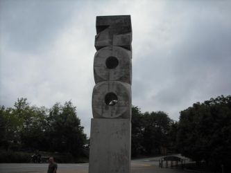 St. Louis Zoo monument by XD-385