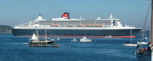 Queen Mary 2 by scotepi